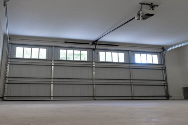 Simple Safety Tips to Keep Your Garage Door Working Properly